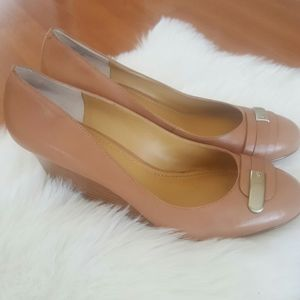 Nine West Get a clue tan wedge slip on shoes 10M